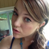 Sarah from Belleville | Woman | 26 years old | Capricorn
