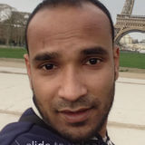 Hussen from Issy-les-Moulineaux   Man   31 years old   Gemini