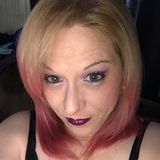 Dee from Levittown | Woman | 40 years old | Gemini