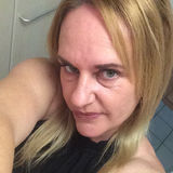Ezza from Cairns | Woman | 45 years old | Aries