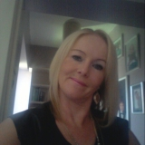 Anneazer from Paisley | Woman | 50 years old | Aries