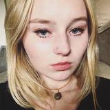 Carolinerose from San Anselmo | Woman | 22 years old | Gemini