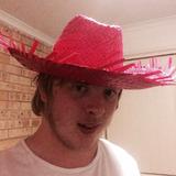 Kjl from Loganlea | Man | 23 years old | Taurus