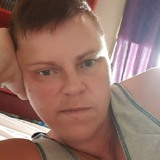 Anna from Horsham | Woman | 52 years old | Aquarius