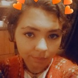 Lee from Wild Peach Village | Woman | 19 years old | Taurus