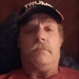 Tommy from Fort Gay | Man | 57 years old | Leo